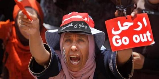 Egypte: le peuple a donné, le peuple a repris