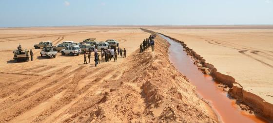 Entre la Tunisie et la Libye, le mur de la discorde
